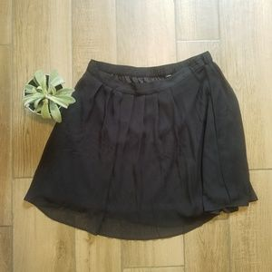 Dresses & Skirts - Black pleated stretchy mini skirt 1x